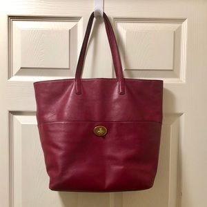 Authentic Coach Turnlock Tote 👜👛